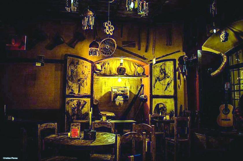 ALTERNATIVA. Parte del interior del espacio cultural La Quimba que ofrece gastronomía, bebidas y postres tradicionales.