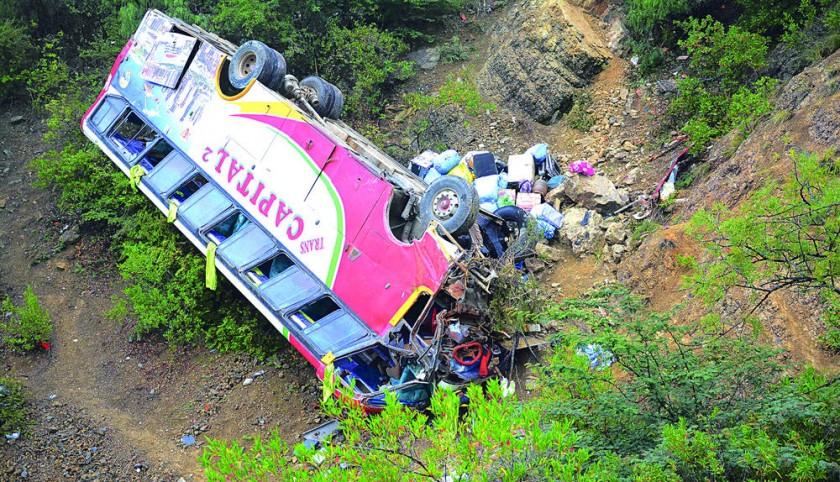 Accidente de bus se cobra una víctima