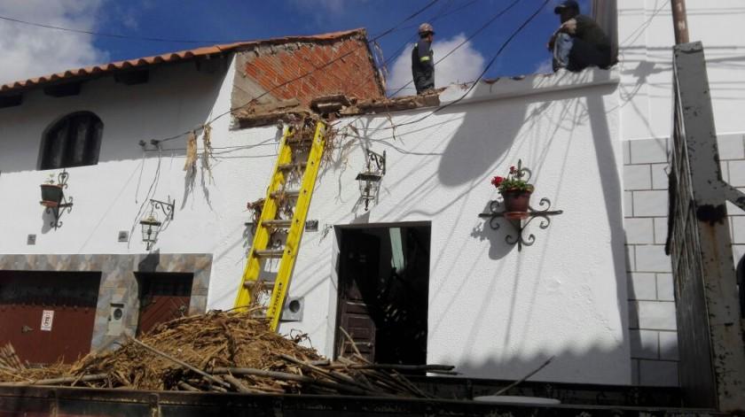 La casa cuya cubierta cayó esta mañana. FOTO: CORREO DEL SUR