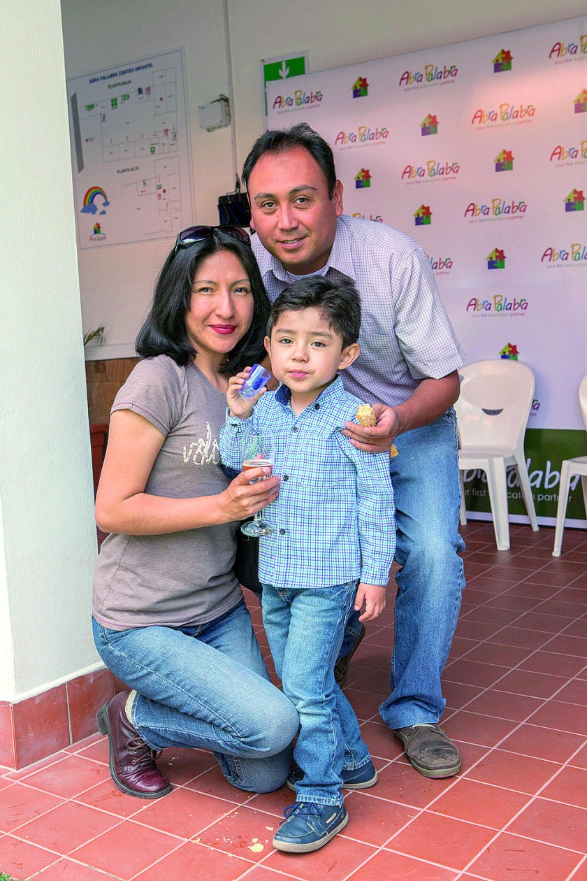Anahí Aries, Joaquín Huaylla y Jorge Huaylla.