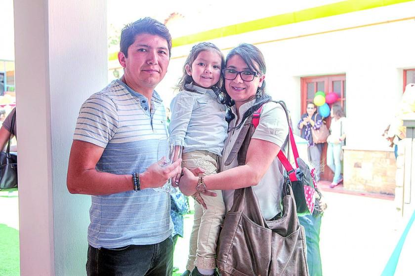 Tito López, Renata López e Ivis Chumacero.