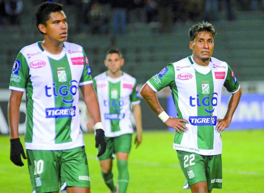 La desazón de los albiverdes, que ahora sólo jugarán la Liga boliviana.