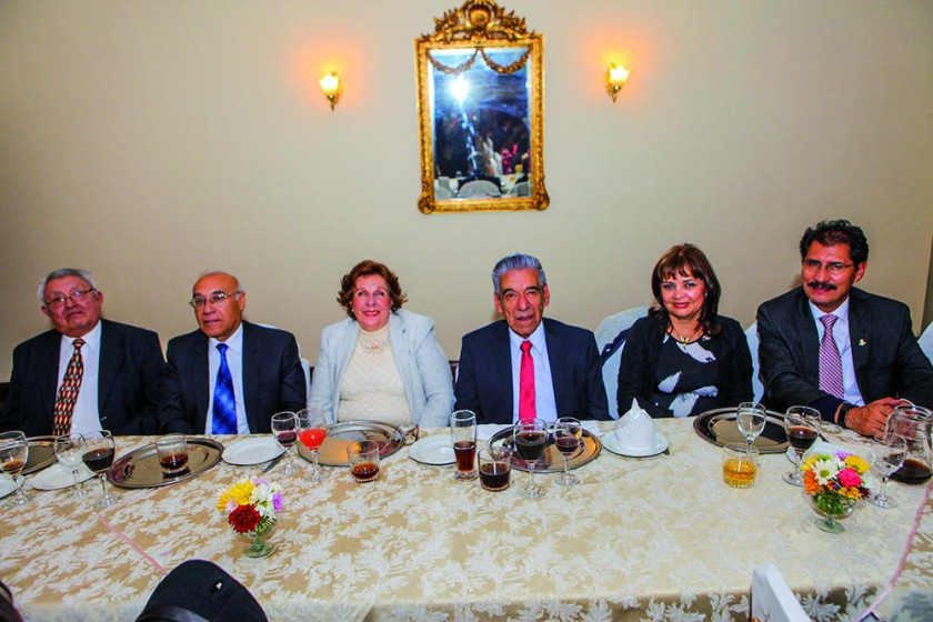 Zacarías Crespo, Pedro Ledezma, Ruth de Villafani, Gonzalo Villafani, María Eugenia de Vidaurre y Hernán Vidaurre.