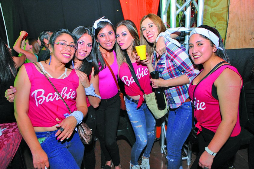 Las Barbie.