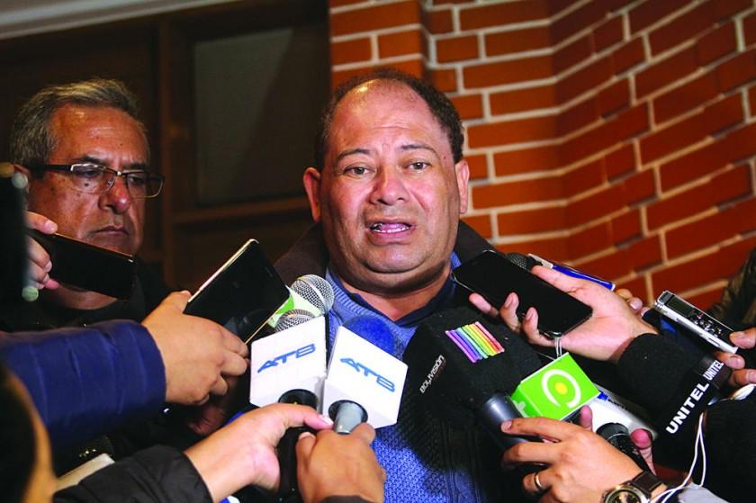 Romero dice que pusieron dinamita cerca de la garrafa