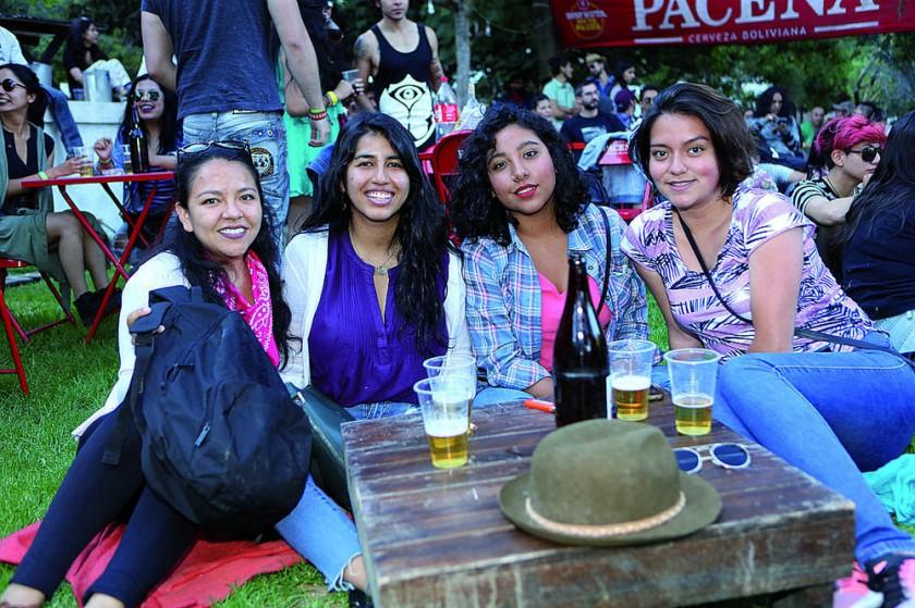 Rosalia, Yasiendy, Nathalia y Noelia.