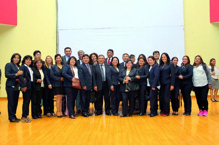 Personal administrativo, docentes y autoridades.