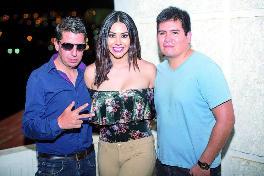 José Antonio Inchausty, Nicole León  y Alejandro Llanos.