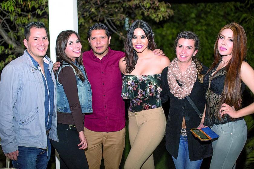 Fito Ramírez, Jessica Guerrero, Roberto Almendras, Nicole León,  Inés Fraija  y Tatiana Pillco.
