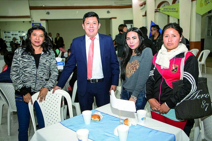 Marlene Durán, Juan Campos, Ximena Fuertes  y Yaliza Velarde.