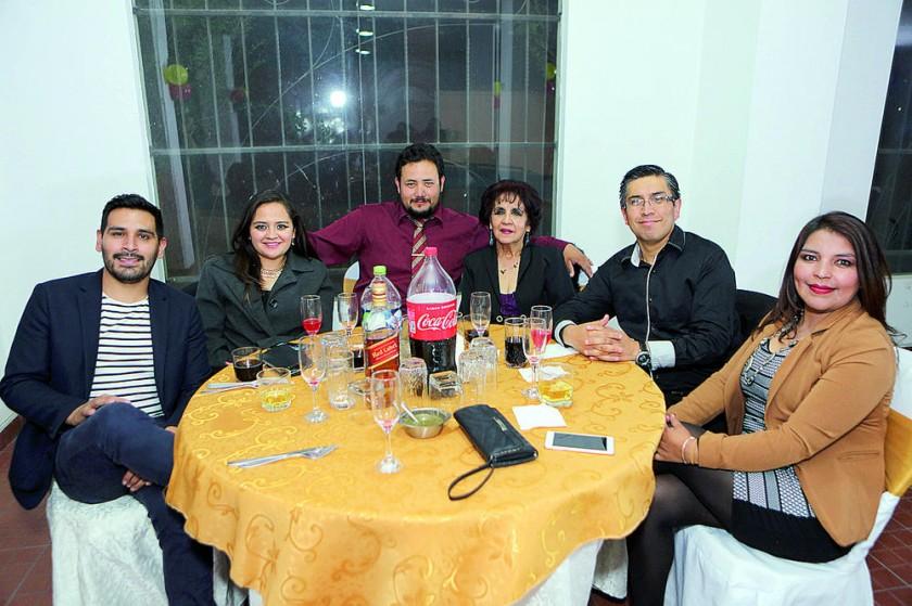 Álvaro Sánchez, Ingrid Campos, Álvaro Tavera, Chepita Sánchez, Marco Vera y Verónica Pantoja.
