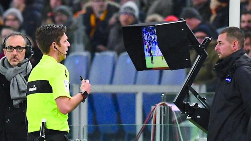 Los árbitros del país apoyan la implementación del VAR.