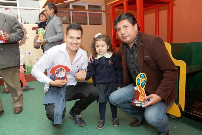 Iván Espada, Valentina Espada y Fernando Corrales.
