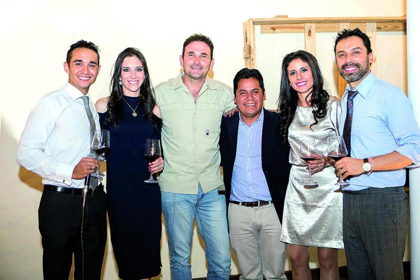 Nicolás Urquizu, María Eugenia Ponce (gerente general), José Antonio Ávila (arquitecto), Abraham Valda (constructora...