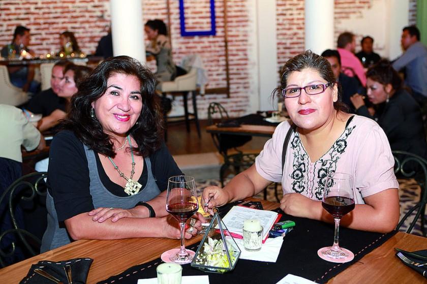 Liliana Sánchez y Katya Moscoso.