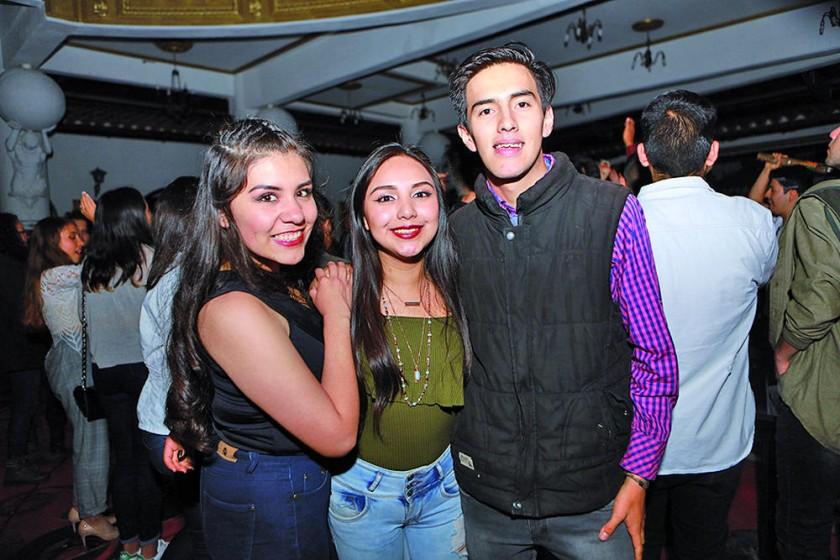Johana, Beth y Álvaro