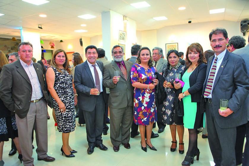 Sandro Mariane, Beatriz Vallejos, Walter Arízaga, Denis Ramírez, Yamel Castro, Doris Colque, María Eugenia López  y...
