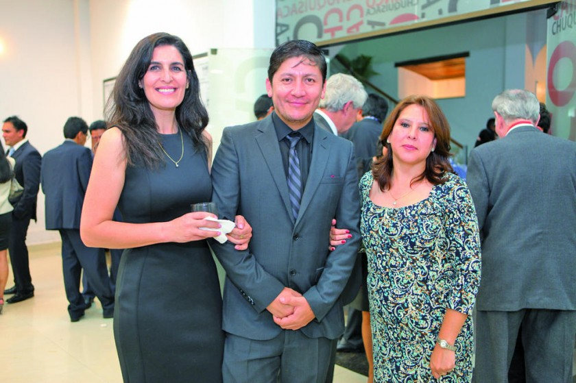 Lizeth Rojas, Marco Prado y Cinthia Castillo.