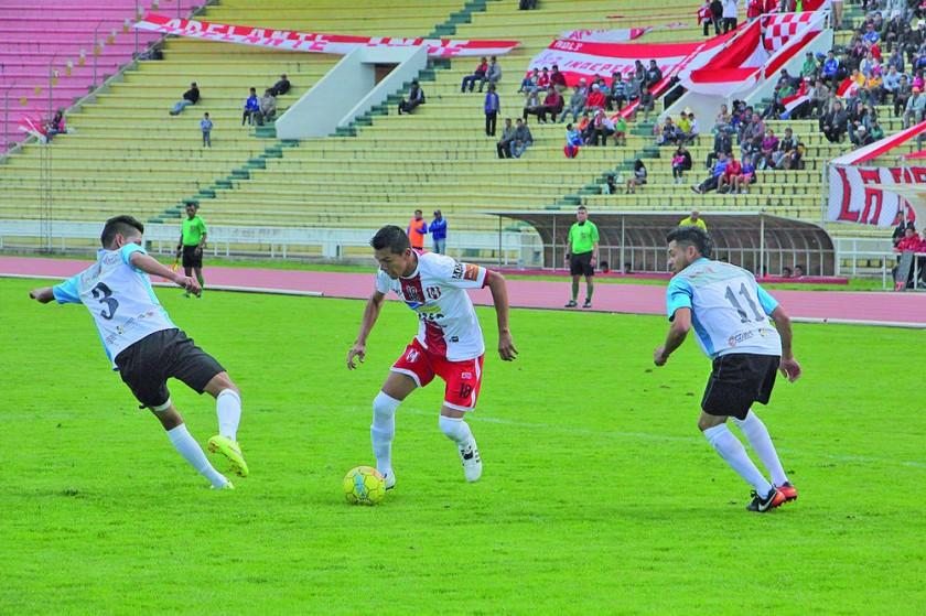 El cuadro rojiblanco celebró una victoria a costa de Alianza Sur y recuperó el primer lugar.