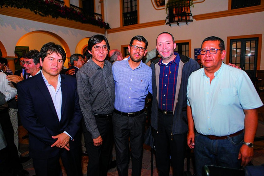 Gonzalo Huayllas, Juan Pablo Amusquívar, Franco Bohórquez, Sergio Lafuente e Iver Colque.
