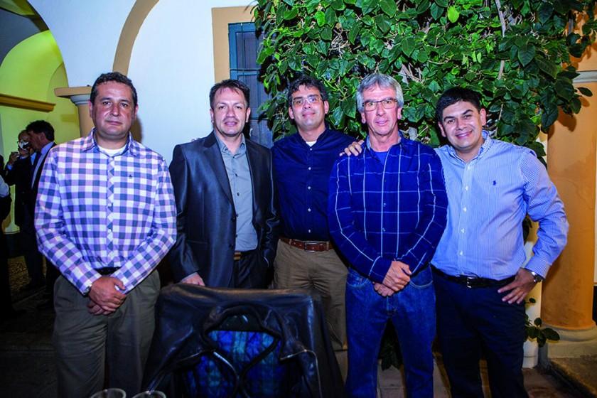 Sergio Cabezas, Jorge Inchausty, José Daniel Solares, Antonio Giménez y Manuel Giménez.