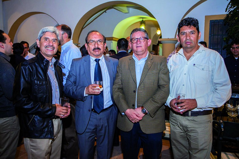 Luis Pórcel, Vladimir Gutiérrez, Edgar Rück y Hugo Aliaga.