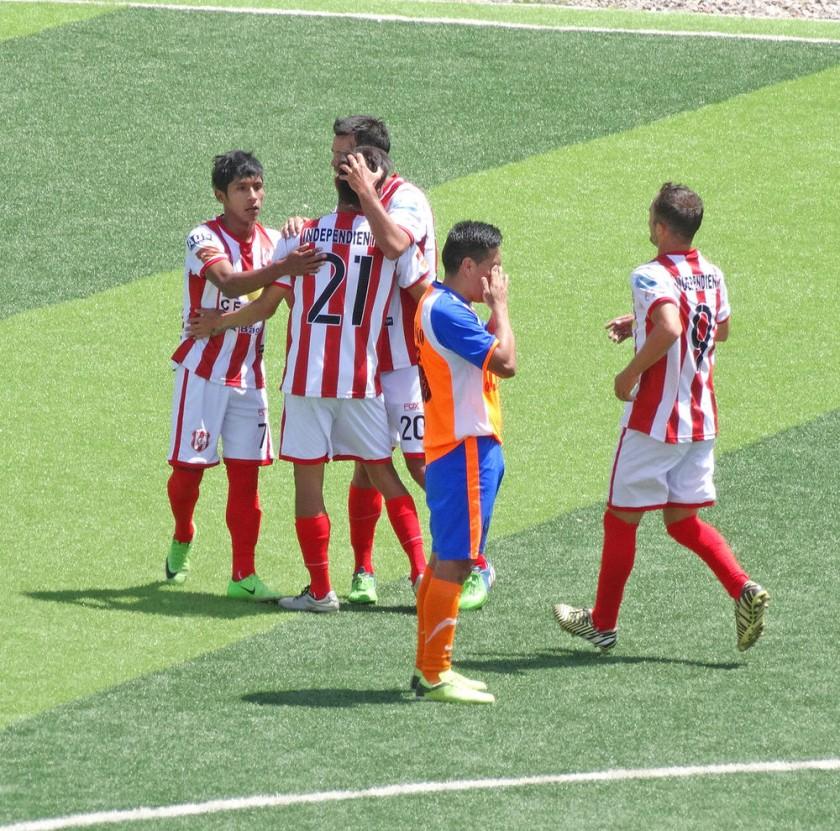 El festejo de los jugadores de Independiente luego de una de las conquistas.