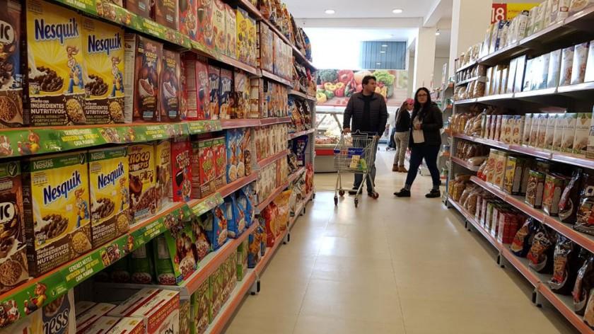 SOLAR. Una imagen del nuevo supermercado que abrió en la calle Camargo.