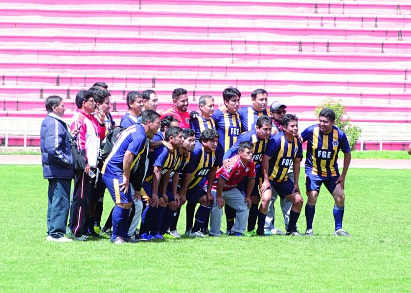 La Fiscalía General (d) se quedó con el título nacional del torneo jugado en Sucre.