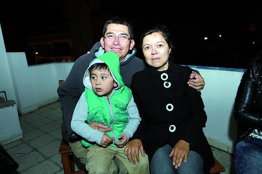 Marvin Ruíz, Samuel Ruíz y Mercedes Peñaranda.