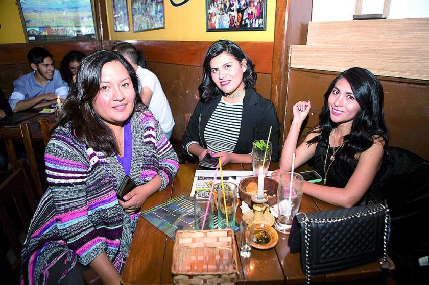 Cintia Lozano celebró su cumpleaños junto a sus amigas.