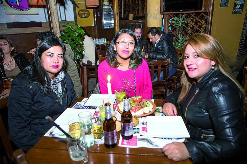Patricia Cervantes, Gabriela Calderón y Daniela Díaz.