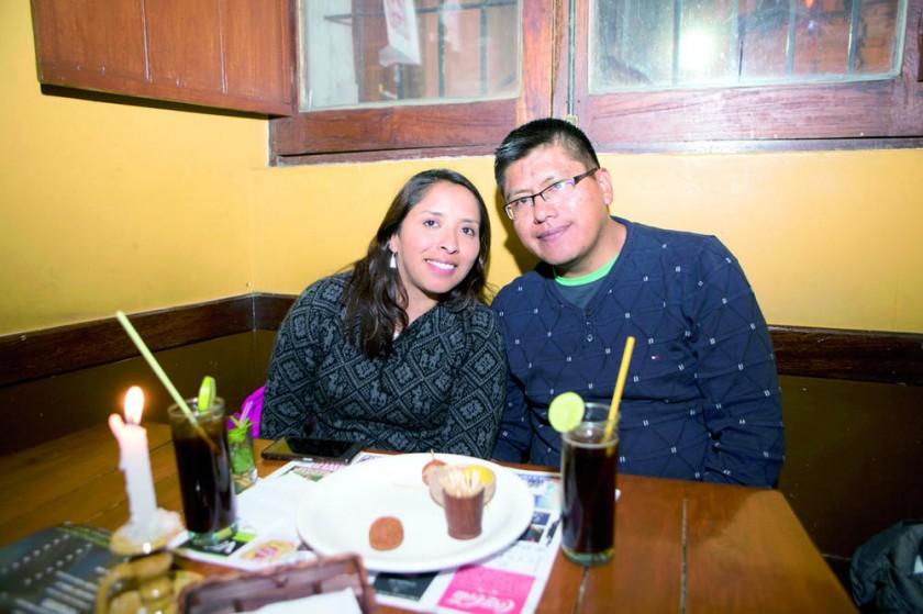 Gabriela Pañuni y Sergio Colque disfrutaron de una deliciosa cena.