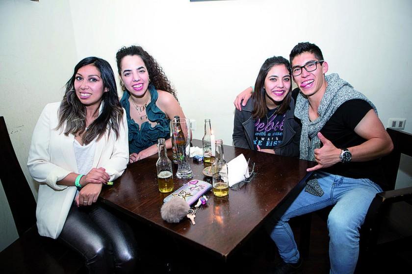 Andrea Hurtado, Sara Pinto, Vale Zapata y André Alunate.