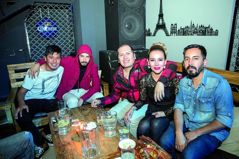 Nano Coronado, Oscar Lascano, Freddy García, Mónica Mercado y Pacho Cabezas.