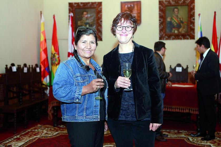 Elizabeth Montero, directora ejecutiva  y María Moser, fundadora.