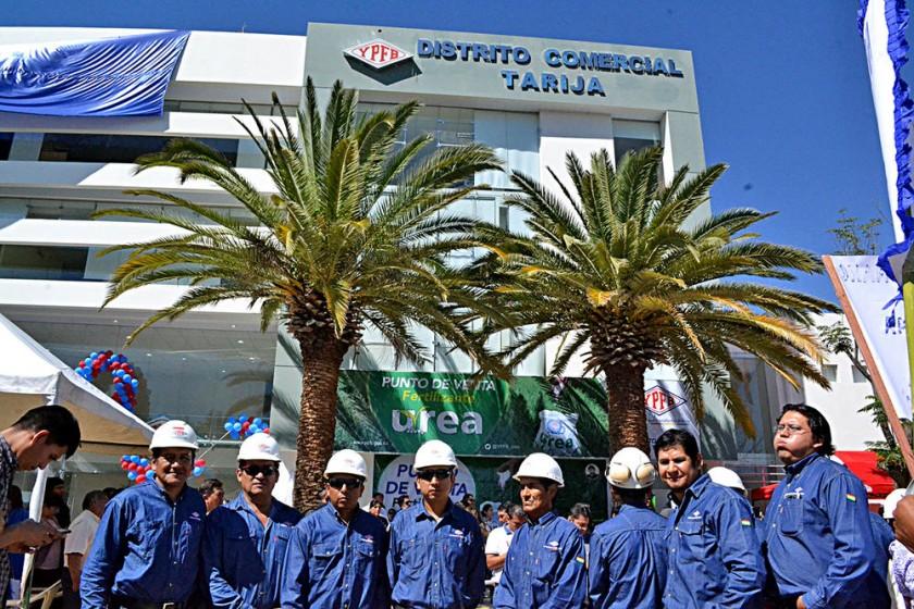 comercialización. El acto de inauguración de la nueva edificación de YPFB en Tarija.