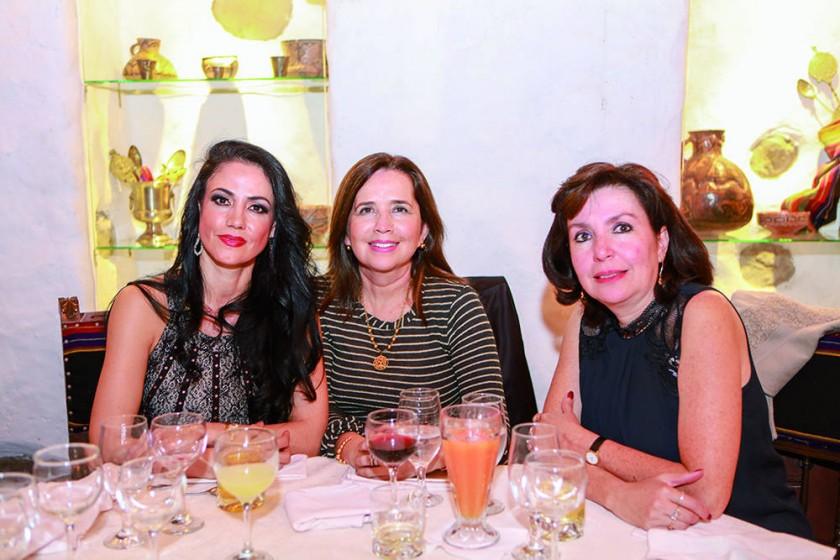 . Daniela Drew, Jimena Blanco y Marisol Balcázar.