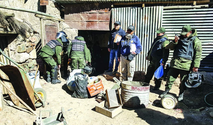 Asestan golpe a ilegales en Huanuni