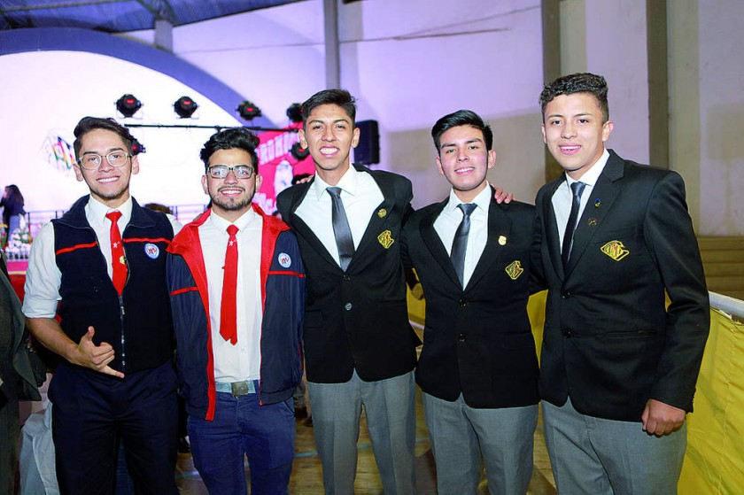 Gabriel Pérez, David Abrego, Sebastián Prieto, Pedro Vargas y Diego Chumacero.