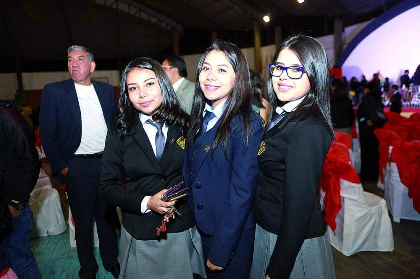 Ivana Serrudo, Natalia Velasco y Noelia Cardozo.