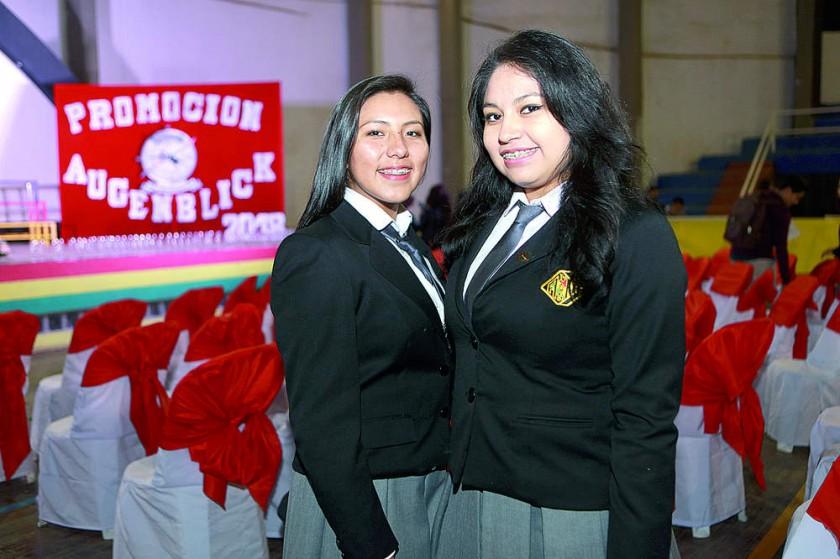 Paola Cruz y Karina Encinas.