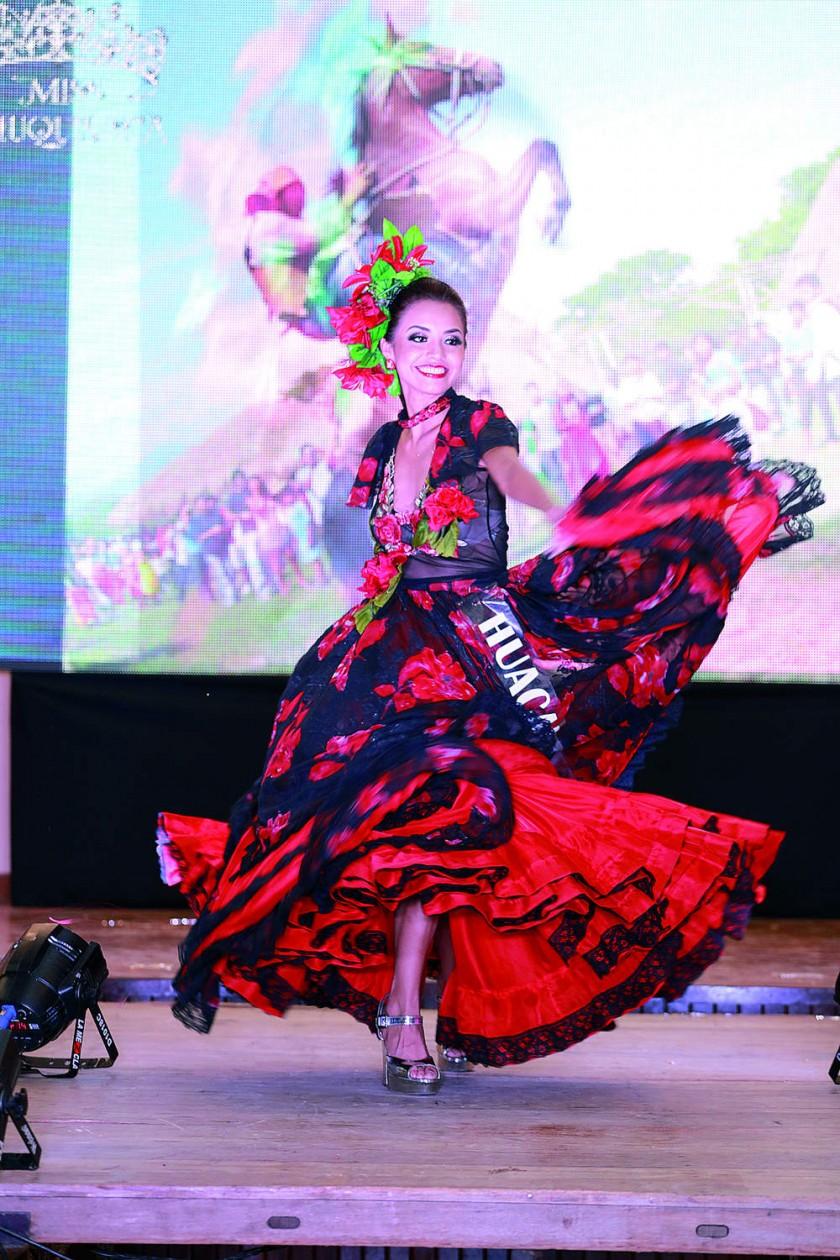 Wanda Cárdenas Herrera, de Huacareta, Miss Elegancia Kaova  y Mejor Rostro Kanilú.