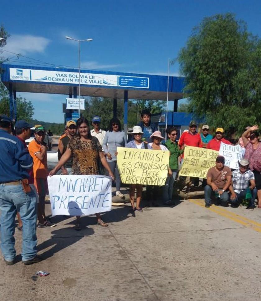 El bloqueo en Macharetí que cierra el paso a Santa Cruz. FOTO: Gentileza