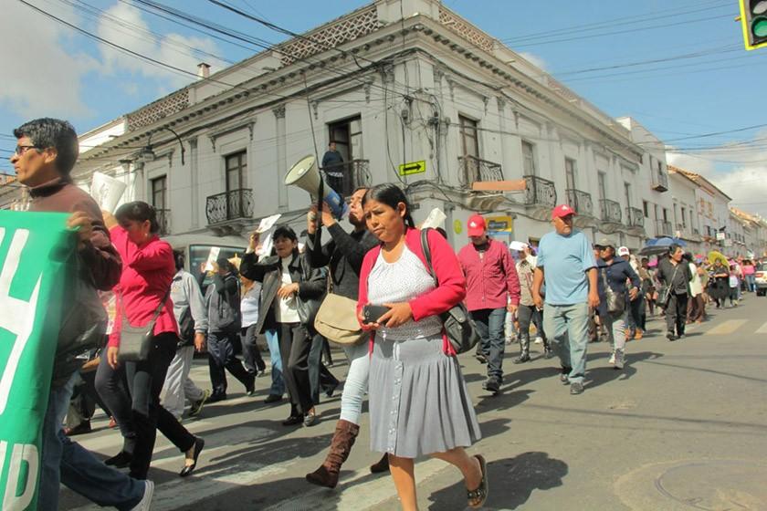 La marcha en defensa del campo gasífero Incahuasi. FOTO: CORREO DEL SUR