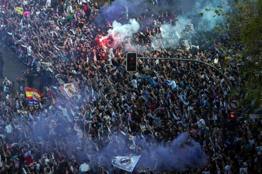 Los aficionados del Real Madrid. FOTO: EFE