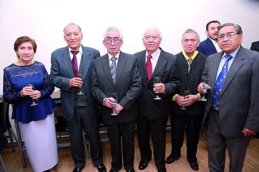 Marcela de Bravo, Reynaldo Bravo, Wálter Pérez-Chacón, Gregorio Gardeazabal,  José Gardeazabal y Hugo Gardeazabal.