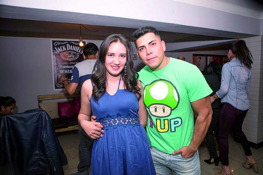 Grisel Espinoza y Johan Ramírez.