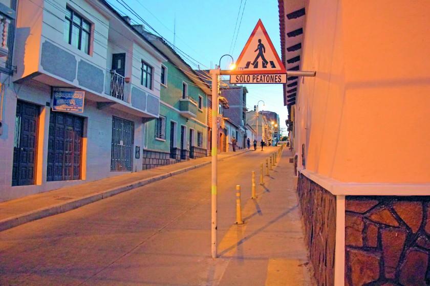 PASAJE. Habilitan paso peatonal en la calle Urriolagoitia.