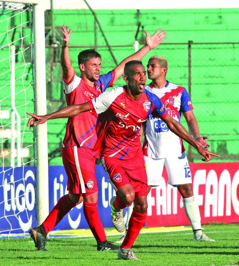 La U, a un paso de dejar a Sucre sin fútbol por lo menos hasta medio año
